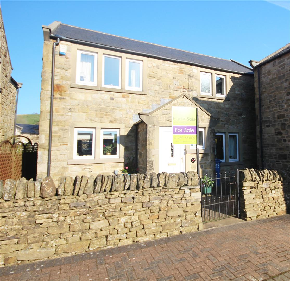 3 bedroom detached house For Sale in Hellifield, Skipton - Property photograph